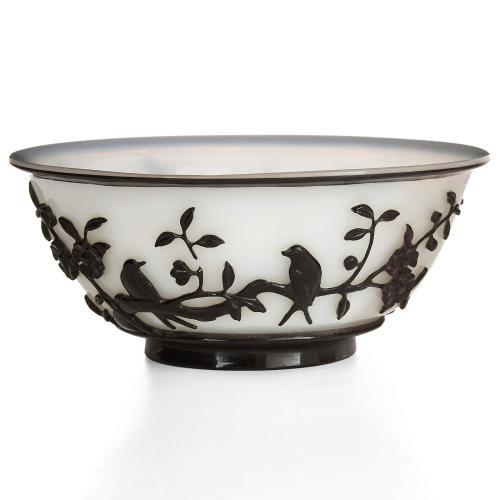 Chinese Peking glass black overlay bowl
