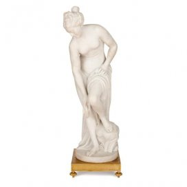 Large marble sculpture 'Venus after the Bath' after Allegrain