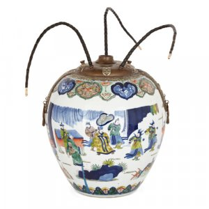 Chinese porcelain opium vase in the 17th Century Wucai style