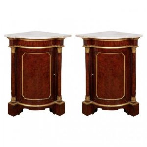 A pair of Royal Victorian period parcel gilt yew wood corner cabinets from Windsor Castle
