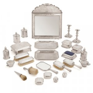 Edward VII and George V period silver dressing toilet set