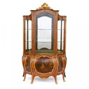Louis XV style ormolu and Vernis Martin vitrine cabinet