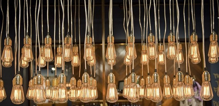 carbon filament lightbulb