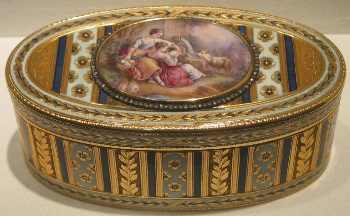 Gold snuffbox with enamel plaque by Jean-Marie Tiron