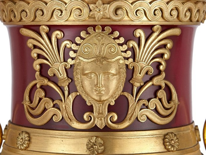 neoclassical decorative arts motifs