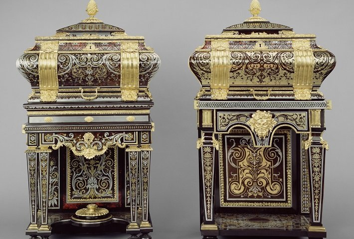 Pair of Boulle cabinets utilising premiere partie and contrapartie inlay