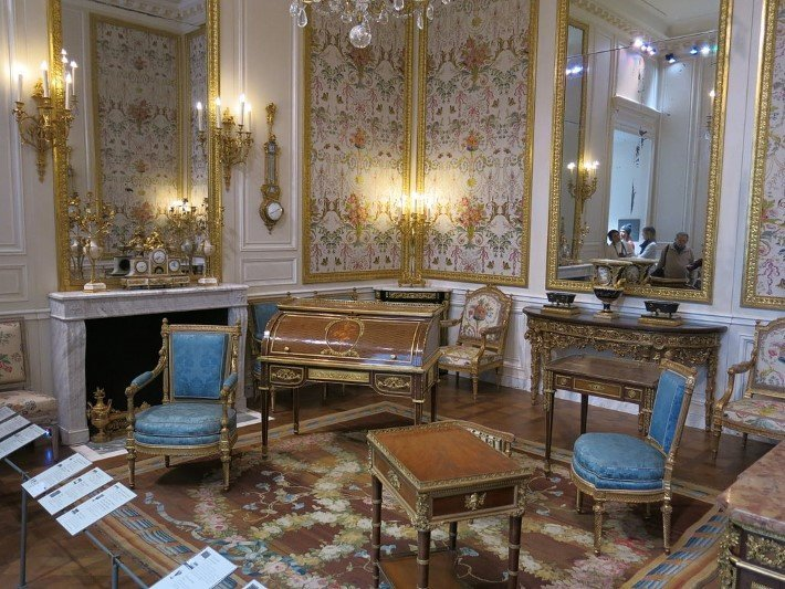 Marie Antoinette Room At The Louvre In Paris