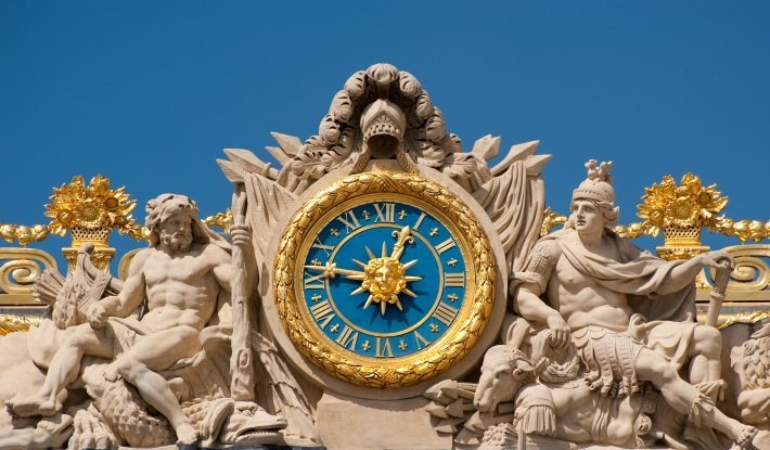clock pediment palace of versailles