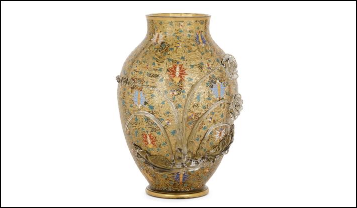 Art Nouveau vase by the leading producer Moser